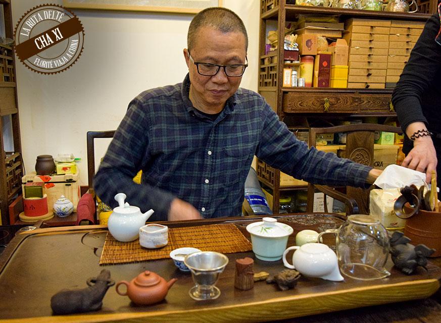 Un experto del té